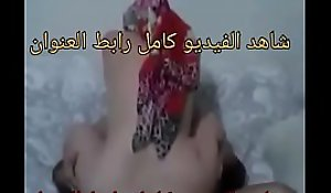 مصرى زنق أخته الكبيرة على السطح ويقطع هدومها ويكنها فى كسها وطيزها وتقولى ارحمنى ابوس ايدك انا أختك  xnxx 39xdbl1