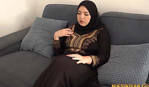 Hot Muslim Teen masturbates and gives Irrumation up Fellow-man