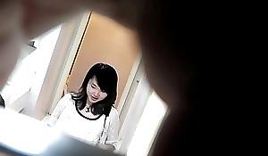 トイレ盗撮 潜入 女厕偷拍超絶美女  美罗